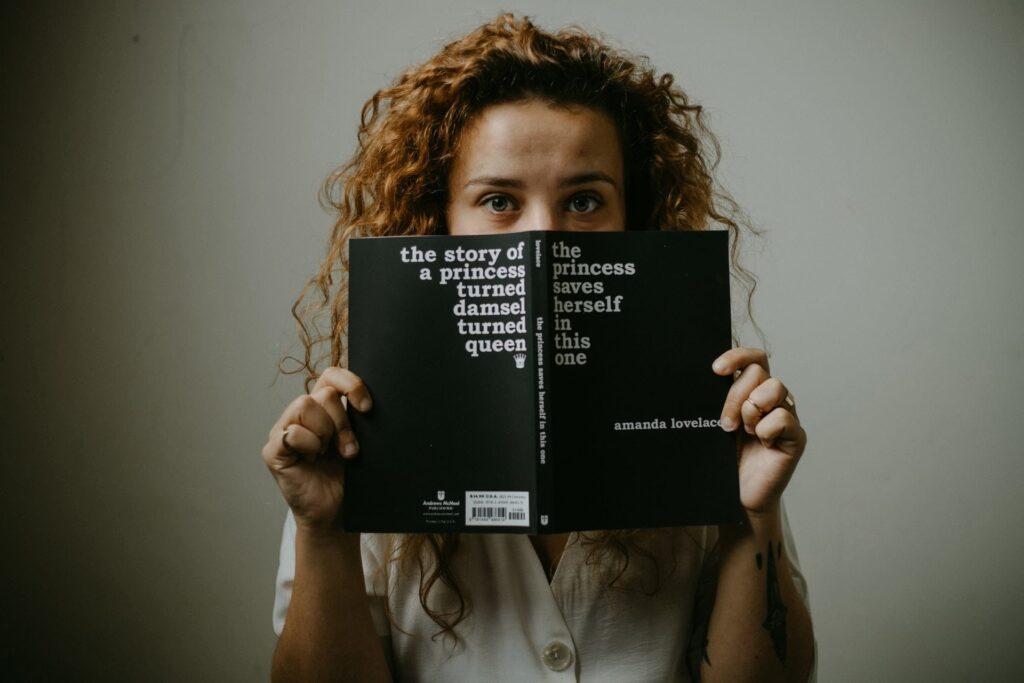 Als Slefpublisher finanzierst du dein Buchcover selbst